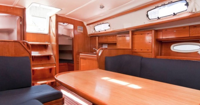 Alquiler de Bavaria Bavaria 37 Cruiser en Barcelona