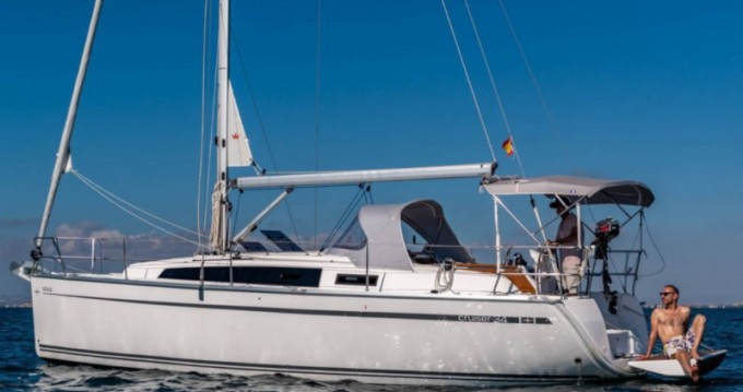 Alquiler de Bavaria Bavaria 34 Cruiser en Murcia