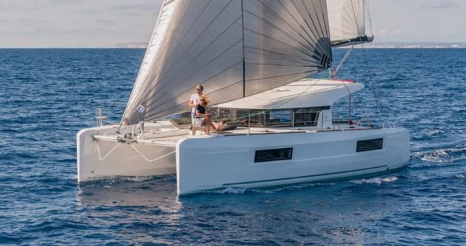 Alquiler de Catamarán, con o sin patrón Lagoon Olbia