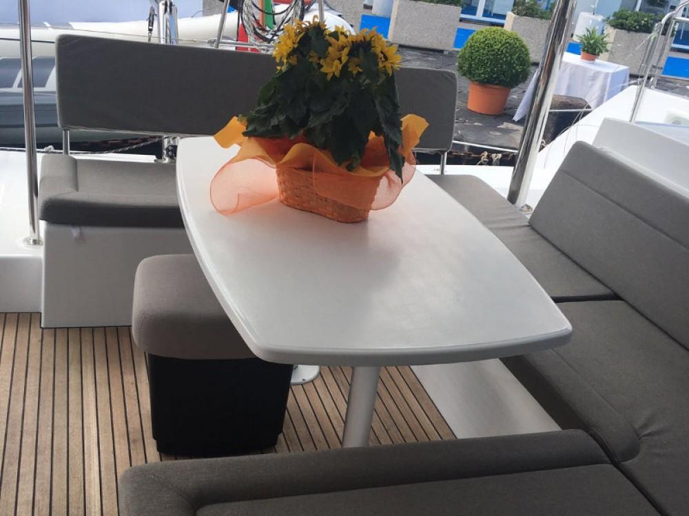 Alquiler Catamarán en Roma - Lagoon Lagoon 450
