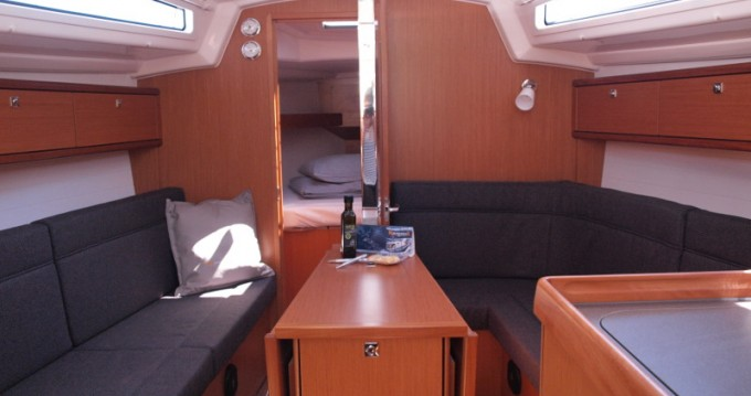 Alquiler de Bavaria Cruiser 33 en Primošten