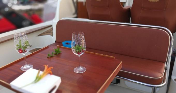 Alquiler de barcos Trogir barato de Sun Sport 845