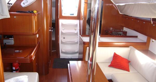 Alquiler de barcos Santa Cruz de Tenerife barato de Oceanis 37