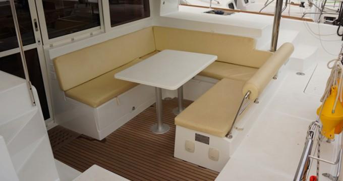 Alquiler de barcos Lefkada (Isla) barato de Lagoon 400 S2