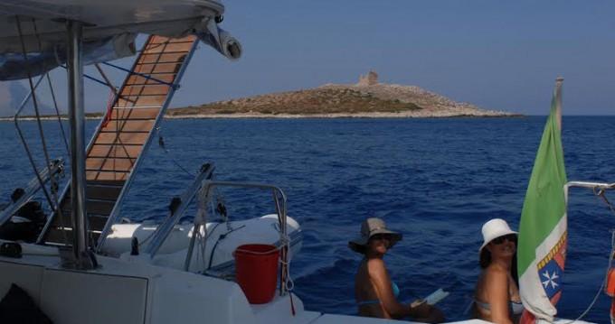 Alquiler de barcos Palermo barato de Lagoon 440