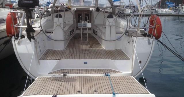 Alquiler de Bavaria Cruiser 40 en Gouviá