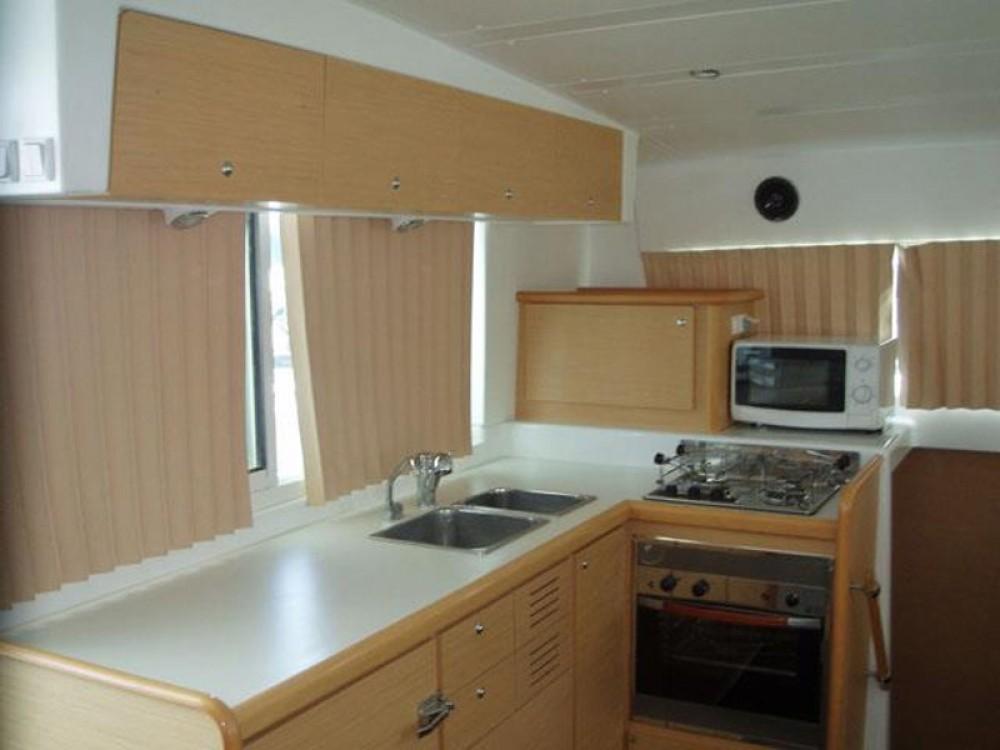 Alquiler Catamarán en Marina de Alimos - Lagoon Lagoon 420
