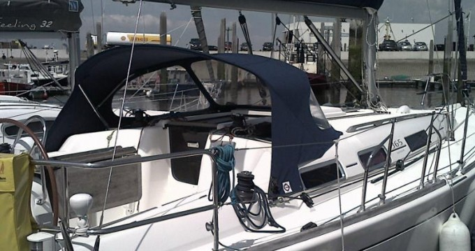 Alquiler de barcos Yerseke barato de Dufour 365 Grand Large