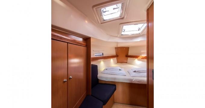 Alquiler de barcos Atenas barato de Bavaria 40 Cruiser
