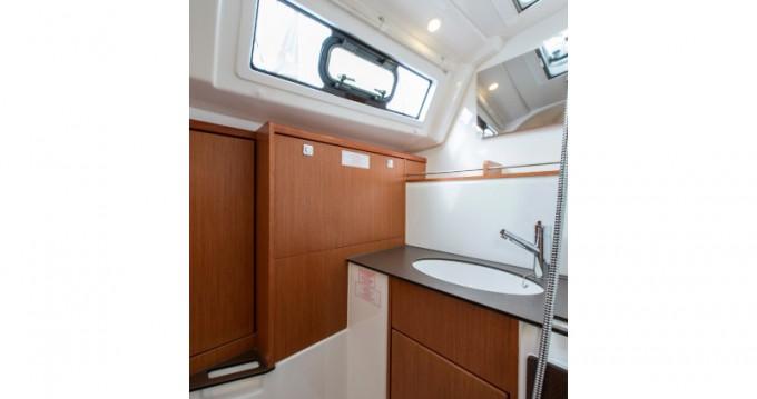 Bavaria Cruiser 37 entre particulares y profesional Atenas