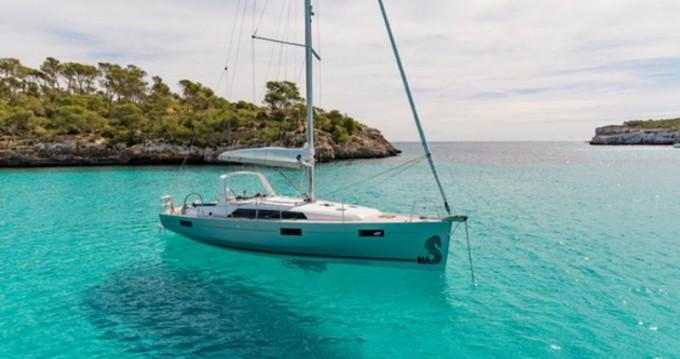 Alquiler de barcos Álimos barato de Oceanis 41.1