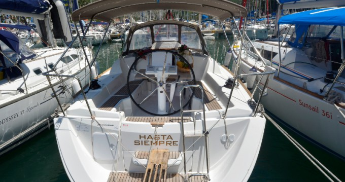Jeanneau Sun Odyssey 33i entre particulares y profesional Ragusa