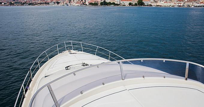 Alquiler de yate Šibenik - Aicon Aicon 56 S Fly en SamBoat