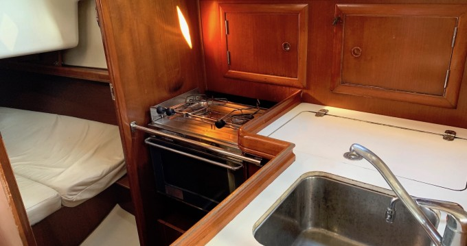 Alquiler de barcos Lávrio barato de Oceanis 331