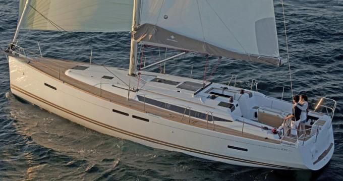 Alquiler de barcos Jeanneau Sun Odyssey 439 enLávrio en Samboat