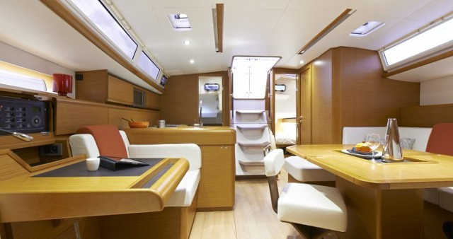 Jeanneau Sun Odyssey 469 entre particulares y profesional Lefkada