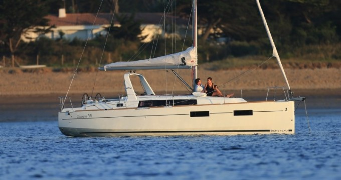 Alquiler de barcos Split barato de Oceanis 35
