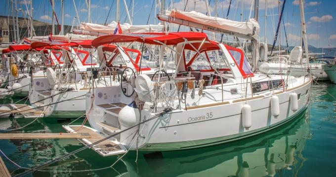 Alquiler de Bénéteau Oceanis 35 en Split