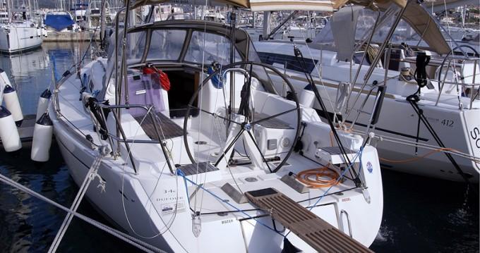 Alquiler de barcos Kaštel Gomilica barato de Dufour 34 Performance