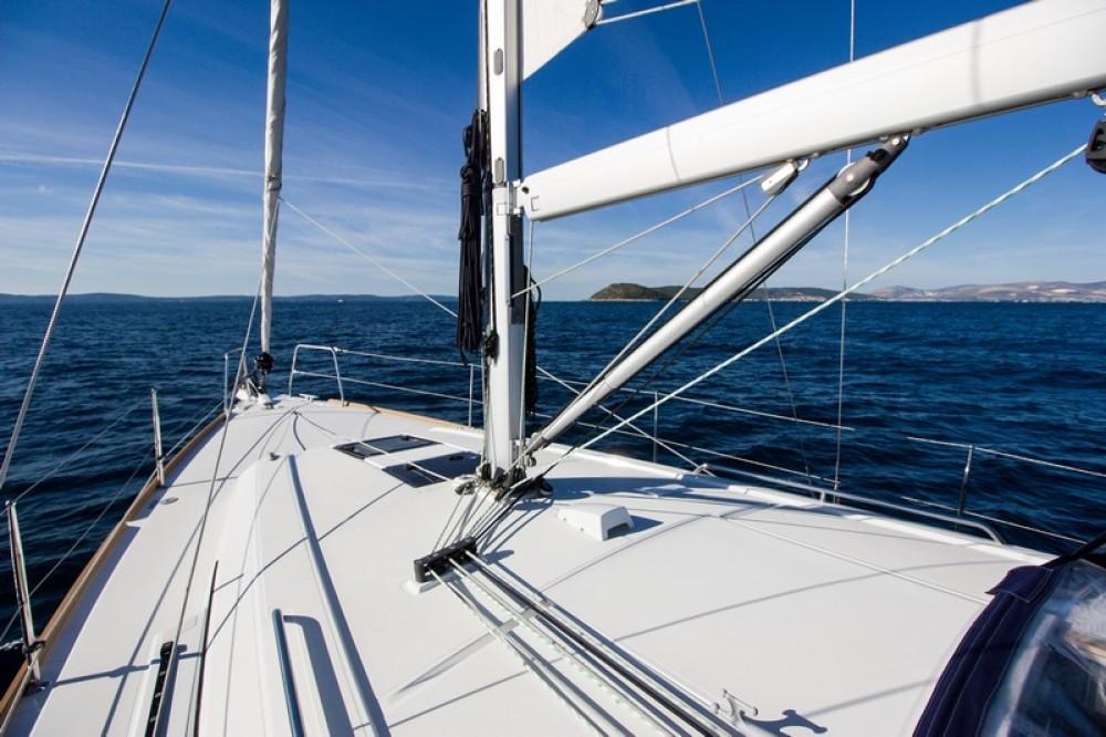 Alquiler de barcos  barato de Beneteau Oceanis 38