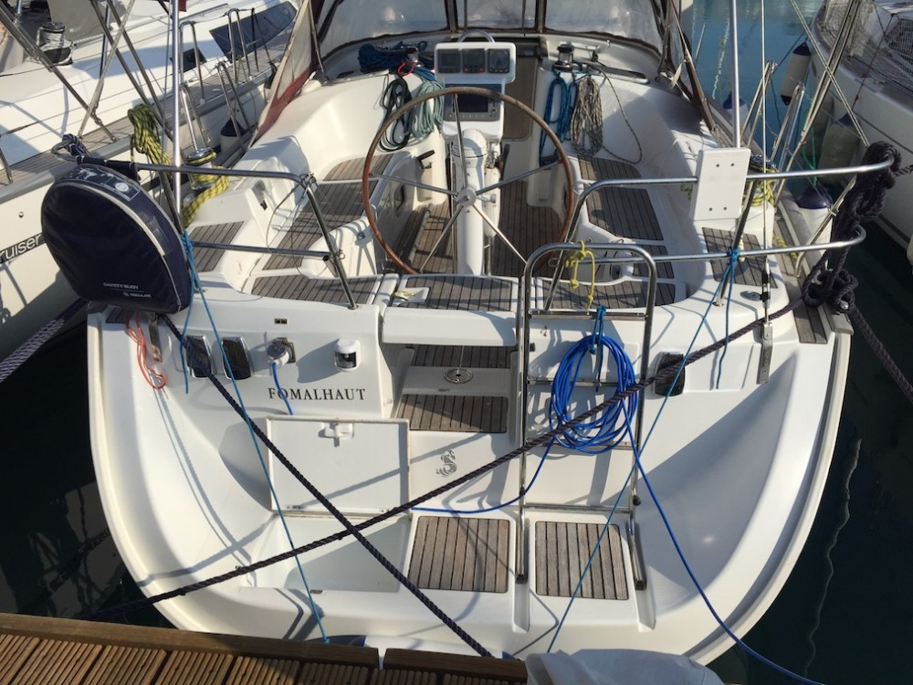 Bénéteau Oceanis Clipper 423 entre particulares y profesional Olbia
