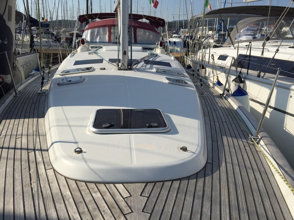 Alquiler de barcos Olbia barato de Oceanis Clipper 423
