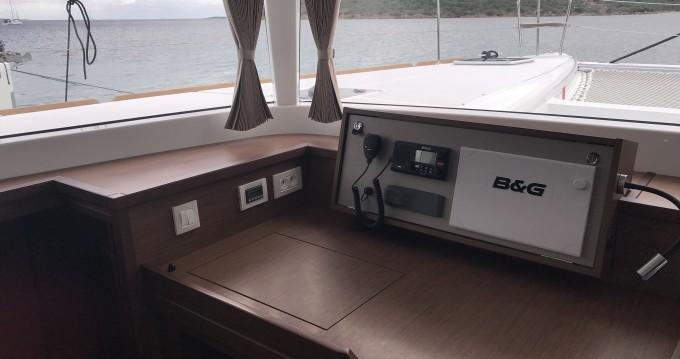 Catamarán para alquilar Marina di Portorosa al mejor precio