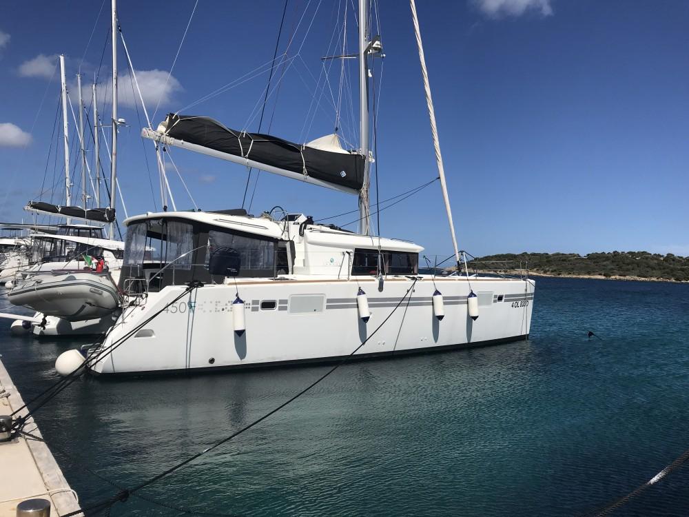 Alquiler de barcos Cala dei Sardi barato de Lagoon 450F