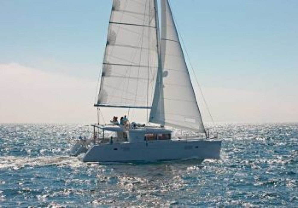 Alquiler Catamarán en Cala dei Sardi - Lagoon Lagoon 450F