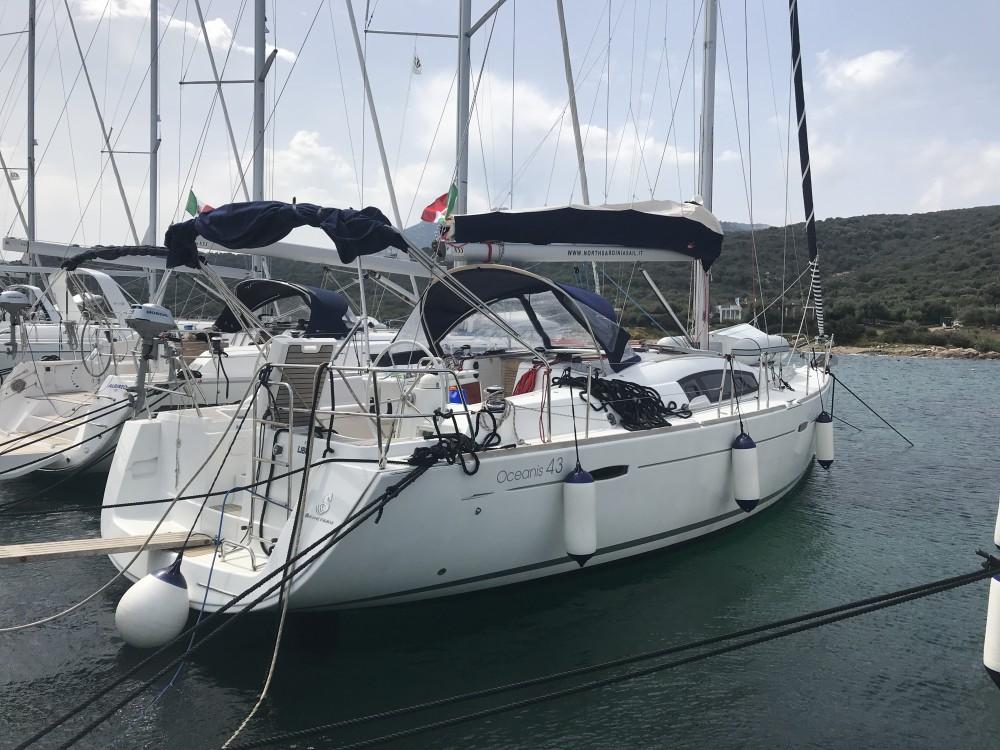 Alquiler de barcos Bénéteau Oceanis 43 enCala dei Sardi en Samboat