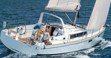 Alquiler de barcos Castiglioncello barato de Oceanis 38.1