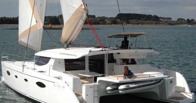 Alquiler Catamarán en Álimos - Fountaine Pajot Salina 48