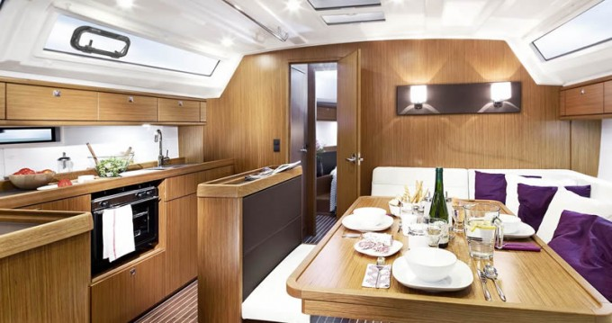 Bavaria Cruiser 46 entre particulares y profesional Paros