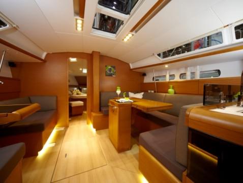 Alquiler de barcos Álimos barato de Sun Odyssey 439
