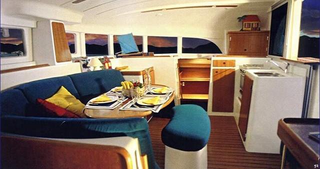 Alquiler de barcos Álimos barato de Lagoon 380