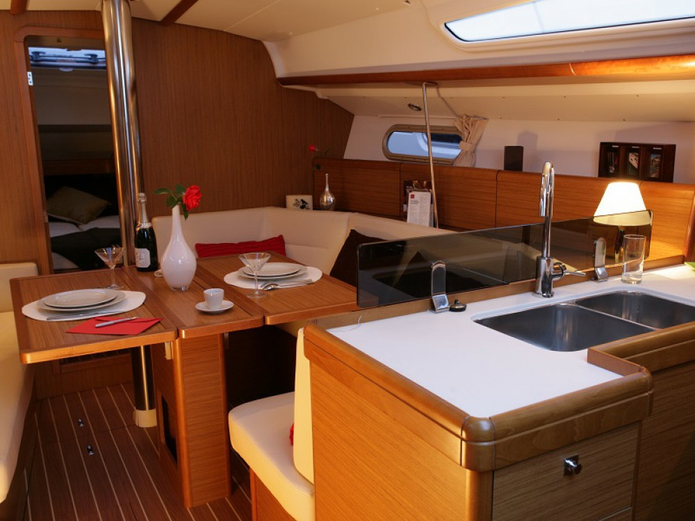 Jeanneau Sunsail 36i entre particulares y profesional