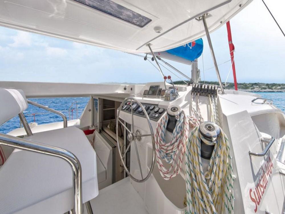 Leopard Sunsail 404 entre particulares y profesional Port Louis Marina