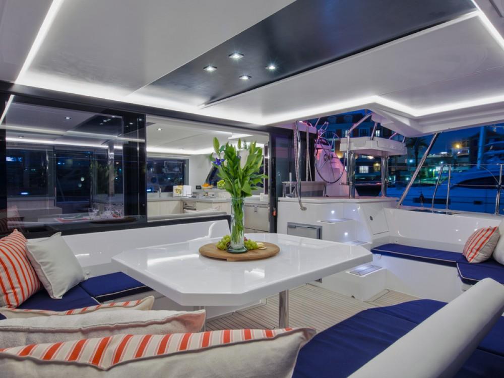 Catamarán para alquilar ACI Marina Dubrovnik al mejor precio