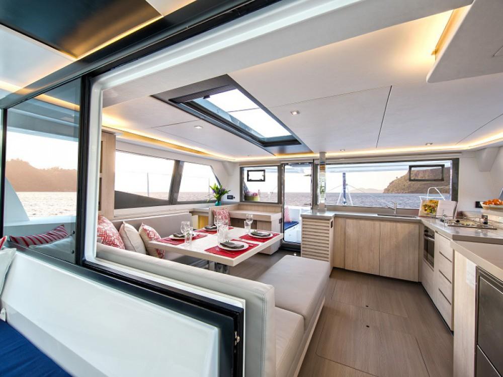 Leopard Sunsail 454 entre particulares y profesional ACI Marina Dubrovnik
