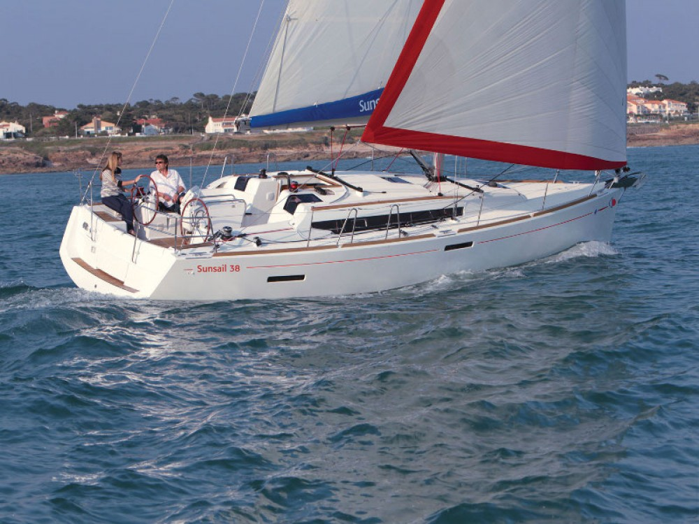 Jeanneau Sunsail 38 entre particulares y profesional Marina