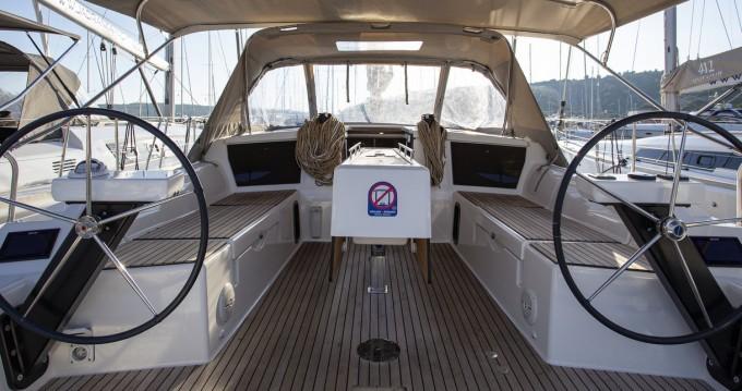 Alquiler de barcos Primošten barato de Dufour 430 GL