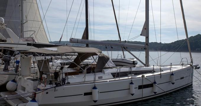 Alquiler de barcos Pula barato de Dufour 520 Grand Large