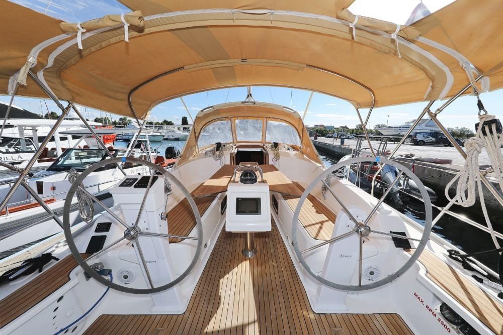 Bavaria Cruiser 37 entre particulares y profesional D-Marin Borik
