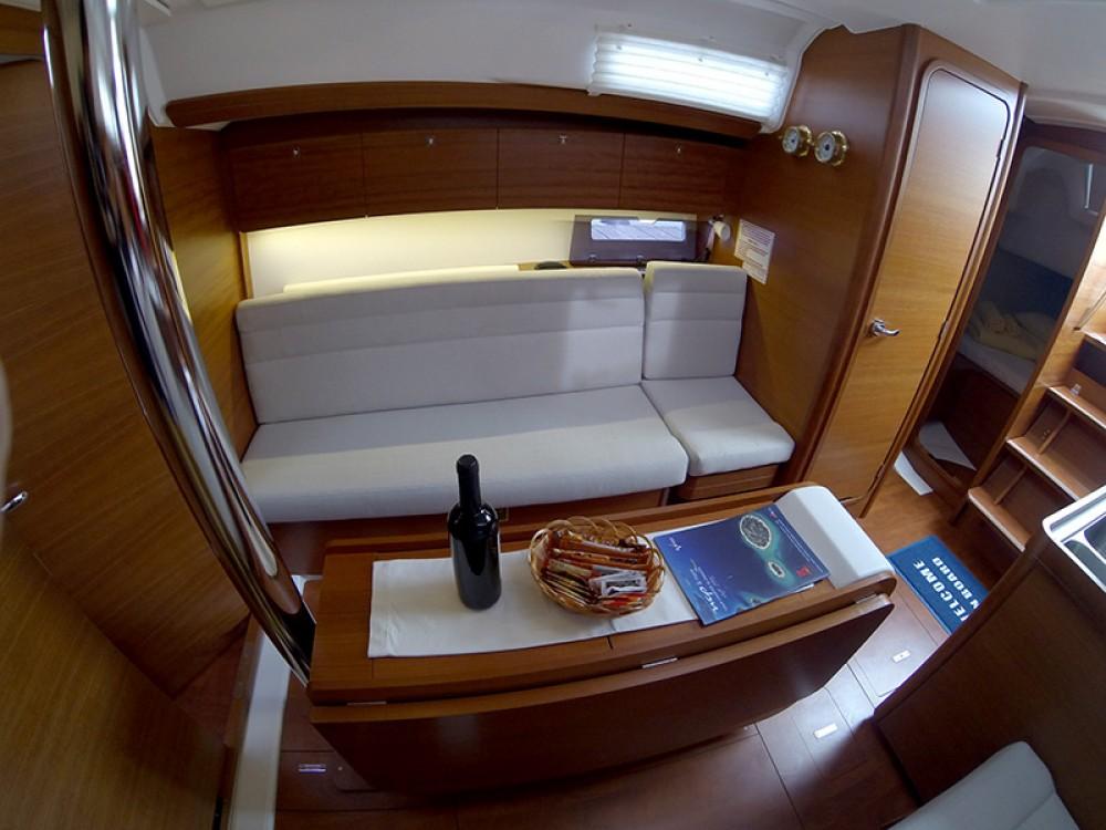 Alquiler de barcos Šibenik barato de Dufour 350 Grand Large