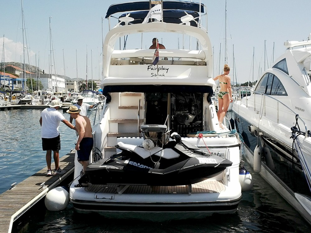 Alquiler de Fairline-Boats Fairline Phantom 40 en Šibenik