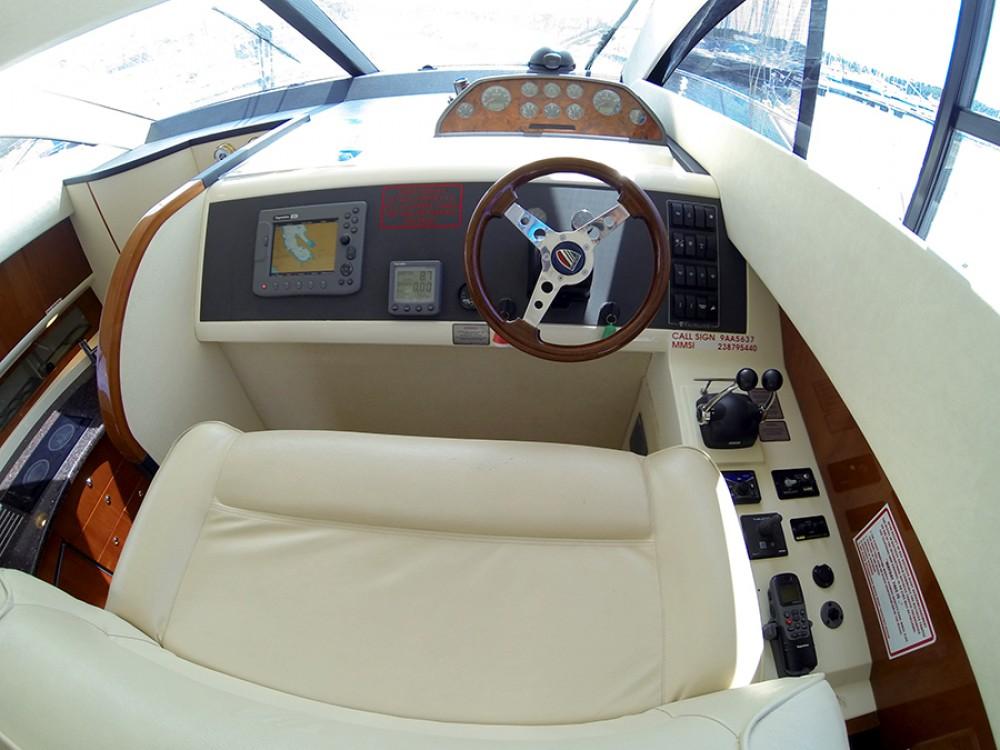 Alquiler de barcos Fairline-Boats Fairline Phantom 40 enŠibenik en Samboat