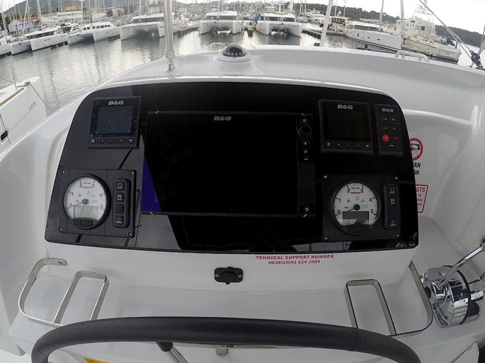 Catamarán para alquilar  al mejor precio