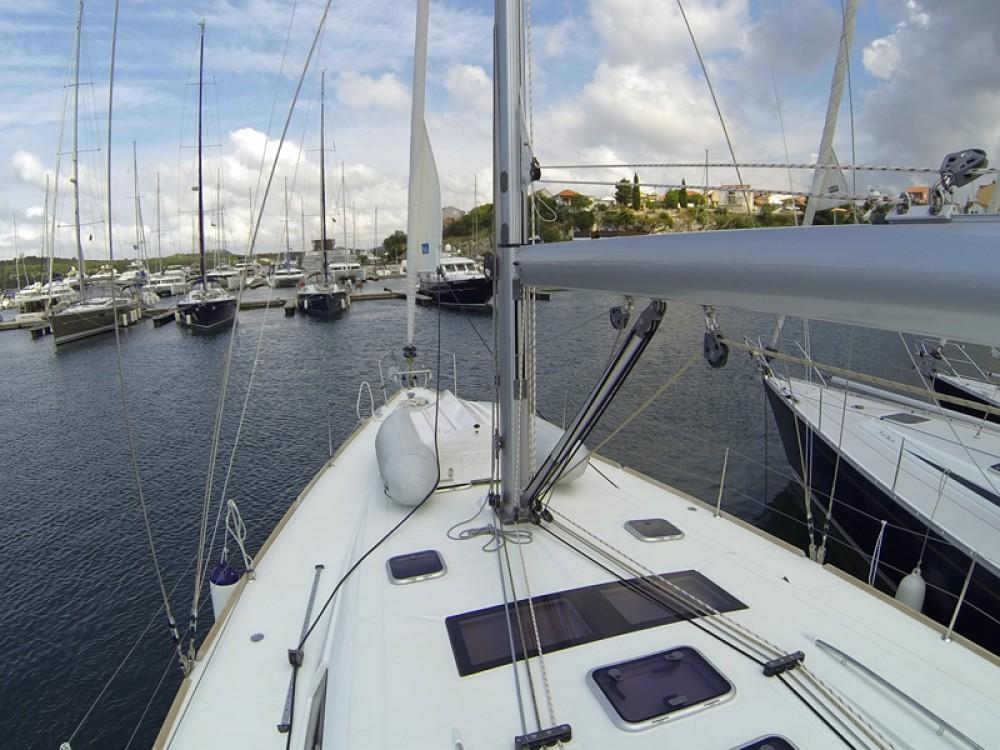 Alquiler de barcos Šibenik barato de Oceanis 50