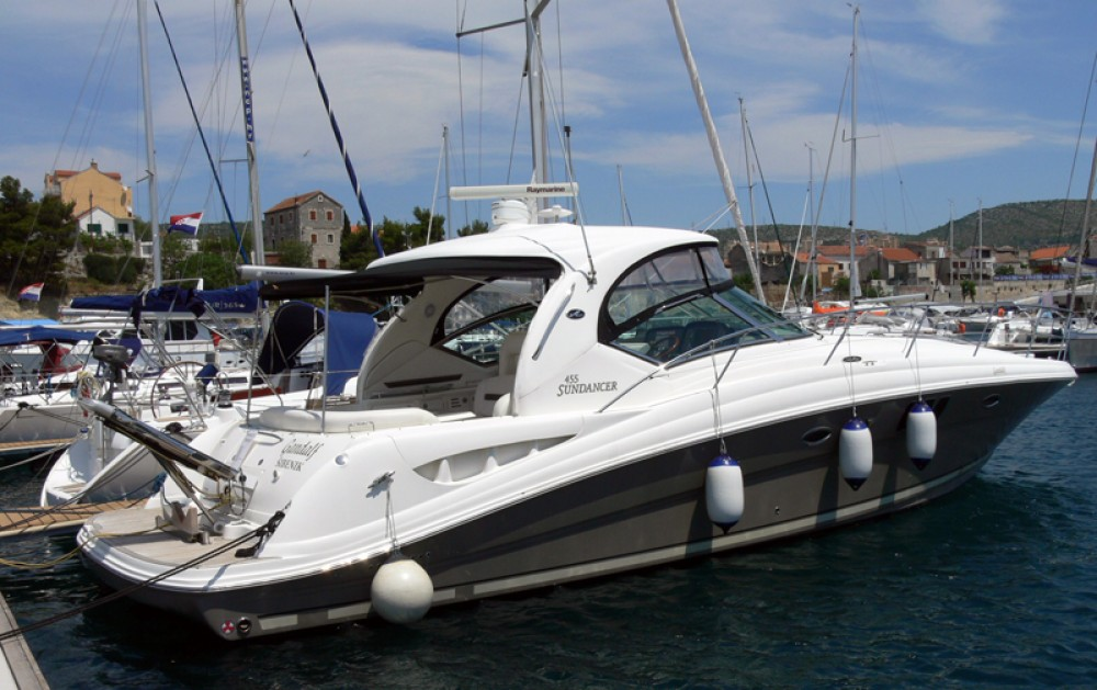 Alquiler de barcos Sea-Ray-Boats Sea Ray 455 enŠibenik en Samboat