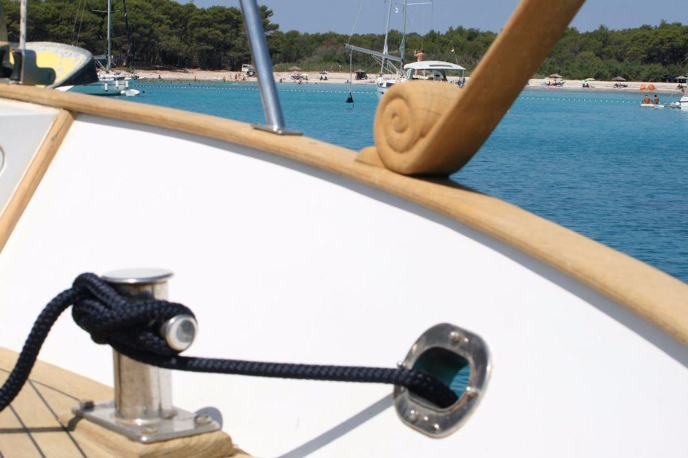 Alquiler Lancha Custom Made con título de navegación